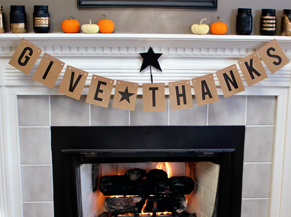 DIY Thanksgiving Banner + Free Printable // Bubby and Bean