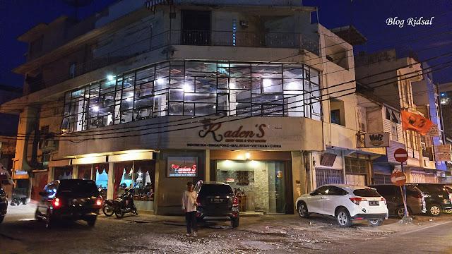 Raden'S Crispy Steak and Spicy Chicken: Bisa Nongkrong Sambil Nostalgia