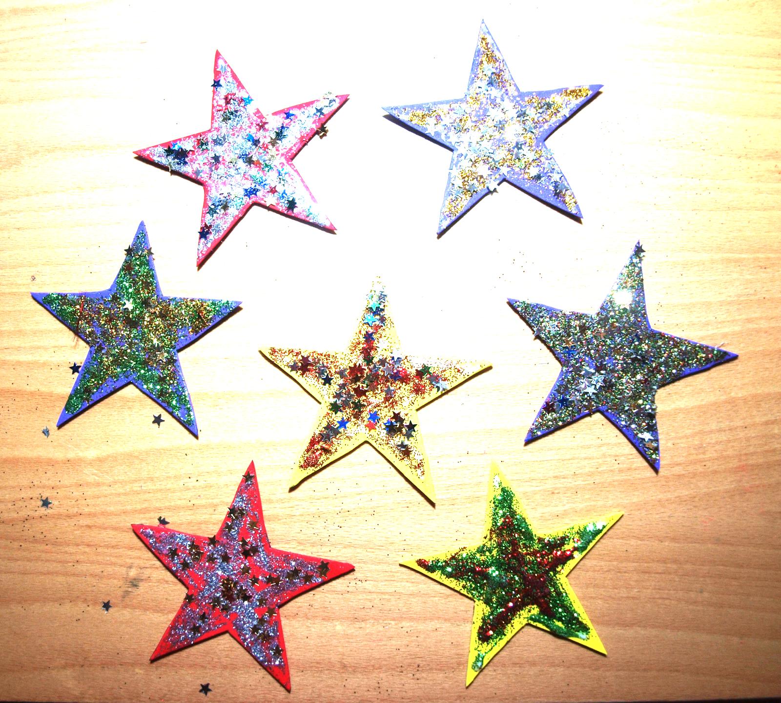 Como Decorar Una Estrella De Navidad Para Ninos.Manualnavidades Manualidades Para Navidad Mas Estrellas