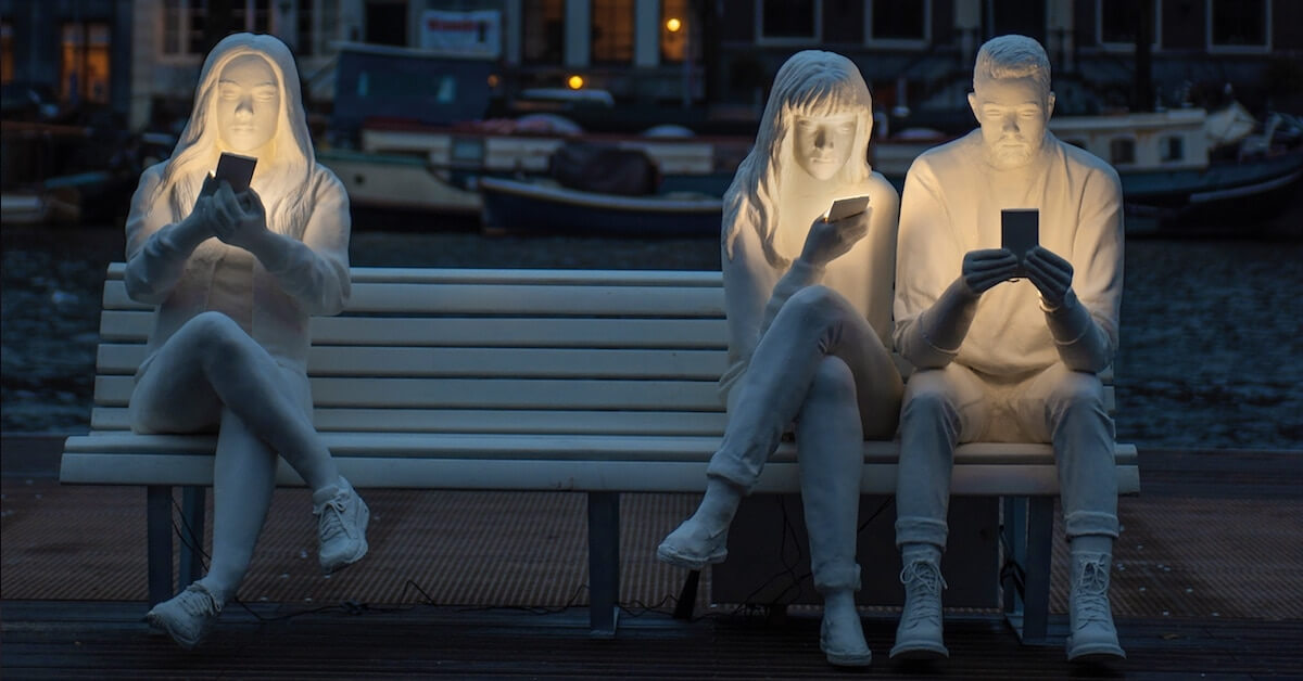 Thought-Provoking Sculpture Installation 'Shines a Light' On The Effects Of Technology In Humans' Lives