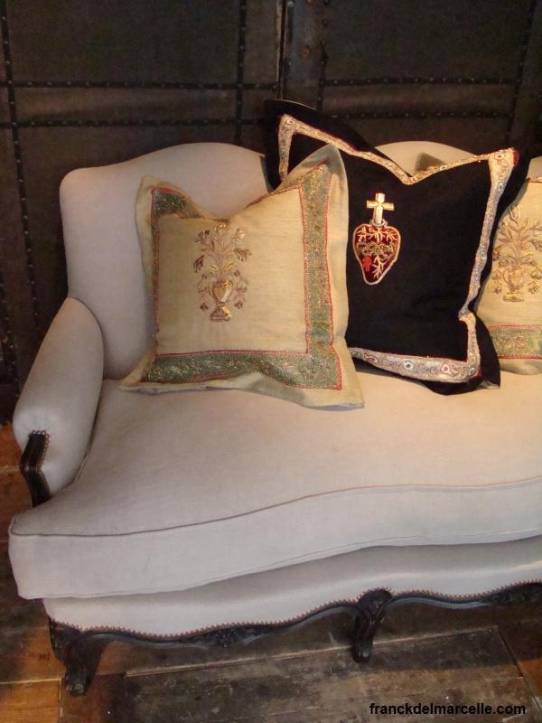 coussin recouvrir. Black Bedroom Furniture Sets. Home Design Ideas
