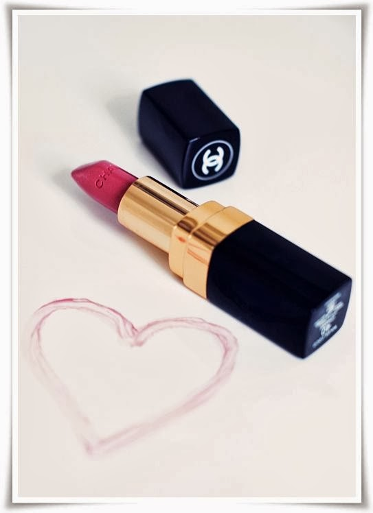 Makeup - Chanel Rouge Allure Velvet 37 - Lips
