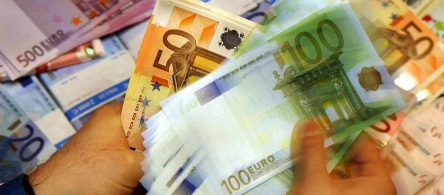 Capital controls: Μέχρι 1800 ευρώ ανεβαίνει το όριο ανάληψης