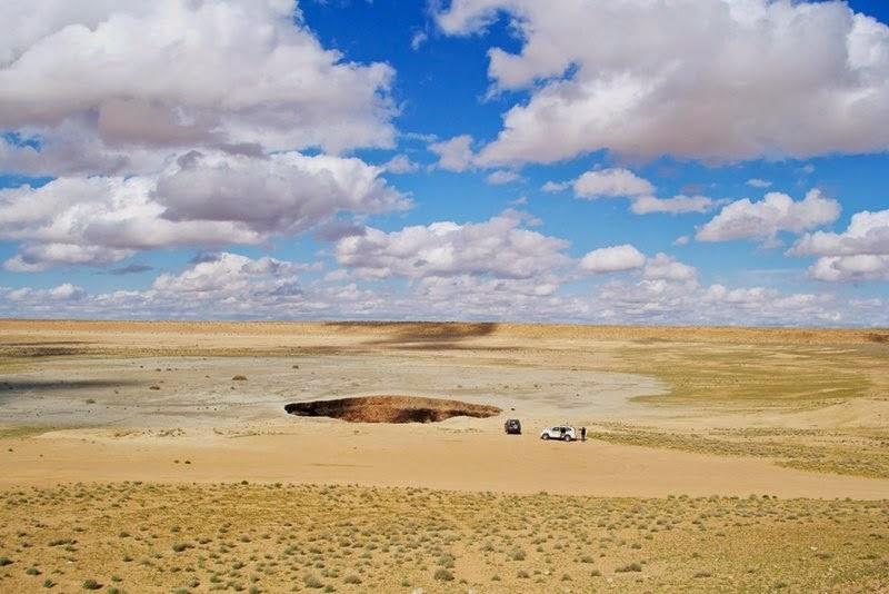 Bizarre Photos The Door To Hell Derweze Turkmenistan