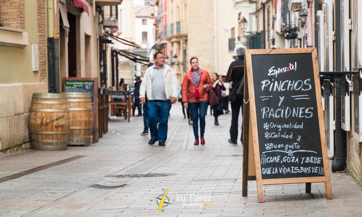 Cartel de vinos en Logroño