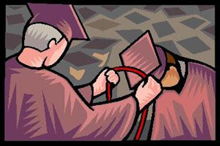 """Di Indonesia, secara umum kostum kelulusan disebut toga - berasal dari penyebutan untuk pakaian di jaman Romawi kuno. Pada masa tersebut, kaum intelektual kerap  memakai kain panjang (kira-kira 6 meter) yang dibalut sedemikian rupa, sehingga membentuk kostum. Bedanya dengan pakaian biasa, toga tidak dijahit. Di negeri barat, kostum kelulusan hanya disebut gown. Sementara topi berbentuk bujur sangkar disebut mortarboard. Ada juga yang menyebutnya """"graduate cap"""" dan """"black cap"""". Toga berasal dari kata """"tego"""", yang dalam bahasa Latin artinya adalah """"penutup"""". Meski sering dikaitkan dengan bangsa Romawi kuno, toga sebenarnya merupakan pakaian  yang sering dikenakan bangsa Etruskan (pribumi Italia) sejak 1.200 SM. Kala itu, bentuk toga belum berupa jubah, tetapi hanya berupa kain sepanjang 6 meter yang cara  pakainya dililitkan ke tubuh. Meski tidak praktis, toga merupakan satu-satunya pakaian yang dianggap pantas saat seseorang berada di luar ruangan.  Namun seiring berjalannya waktu, pemakaian toga untuk busana sehari-hari mulai ditinggalkan. Setelah bentuknya """"dimodifikasi"""" menjadi semacam jubah, derajat toga justru  naik menjadi pakaian seremonial, tahukah kamu, salah satunya sebagai pakaian wisuda, Toga yang berwarna hitam pun bukan tanpa alasan. Seperti yang kita tahu, hitam sering diidentikkan dengan hal yang misterius dan gelap. Nah, misteri dan kegelapan inilah  yang harus dikalahkan oleh sarjana. Dengan memakai warna hitam, diharapkan para sarjana mampu menyibak """"kegelapan"""" dengan ilmu pengetahuan yang selama ini  didapatkan. Selain itu, warna hitam juga melambangan keagungan. Karena itu, selain sarjana, baik hakim dan sebagian pemuka agama juga menggunakan warna hitam ini sebagai jubahnya.  Lalu, apa makna dari bentuk persegi pada topi toga, ya? Nah, sudut-sudut tersebut melambangkan bahwa seorang sarjana dituntut utnuk berpikir rasional dan memandang segala sesuatu dari berbagai sudut pandang. Jangan sampai status sudah sarjana tetapi pikirannya masih sempit."""