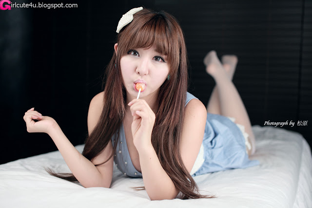 Ryu-Ji-Hye-Blue-and-White-Dress-01-very cute asian girl-girlcute4u.blogspot.com