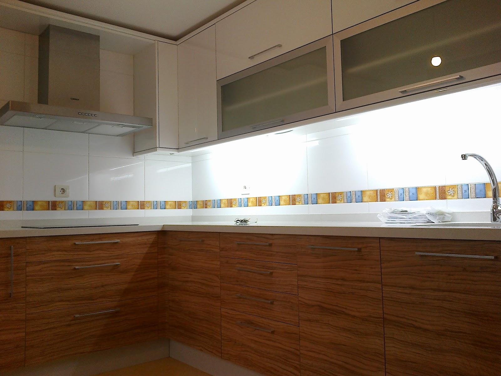 Sfc muebles sostenibles y creativos cocinas - Muebles de cocina color blanco ...