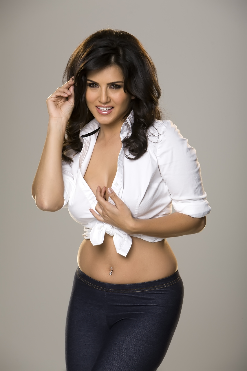 Sunny Leone Hot In White Shirt Tight - Hd Group Sex-7088