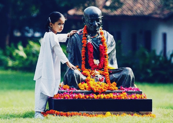 Happy Gandhi Jayanti Quotes in English with Images 2017