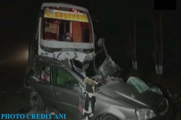 gujarat-mehsana-onjha-highway-accident-bus-and-car-7-dead