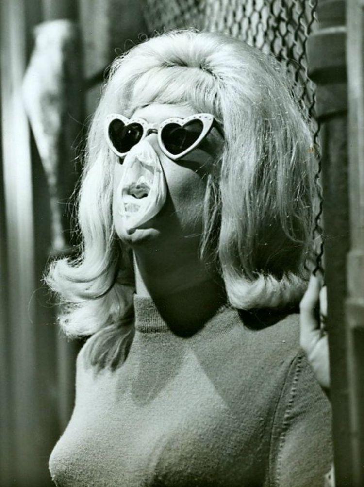 A Vintage Nerd, Heart Sunglasses, 1960s Heart Sunglasses, Vintage Blog, Vintage Sunglasses, Retro Fashion Blog, Vintage Fashion Blog