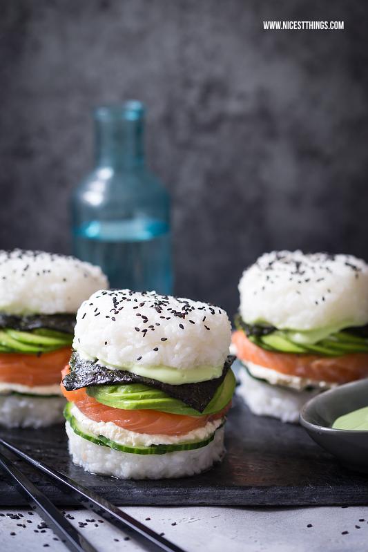 Sushi Burger Rezept mit Lachs und Avocado, glutenfrei