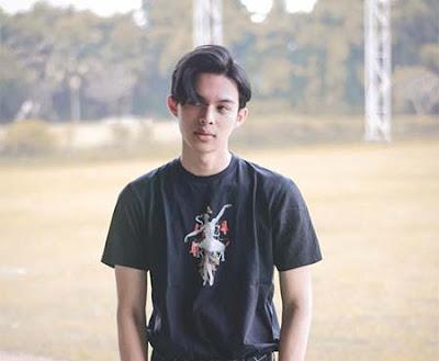 Rey Mbayang Foto Terbaru