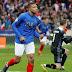 França passeia com boas atuações individuais e lidera grupo com duas goleadas