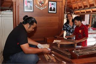 Mendigitalkan Keberagaman Naskah Lontar Bali