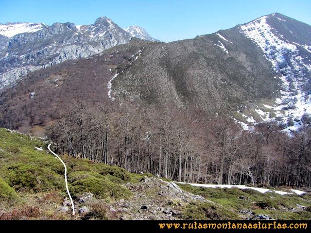 Ruta Requexón Valdunes, la Senda: Bajando del Requexón de Valdunes a Los Llagos