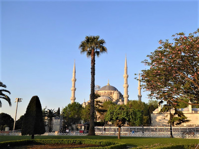 moschea blu istanbul al mattino