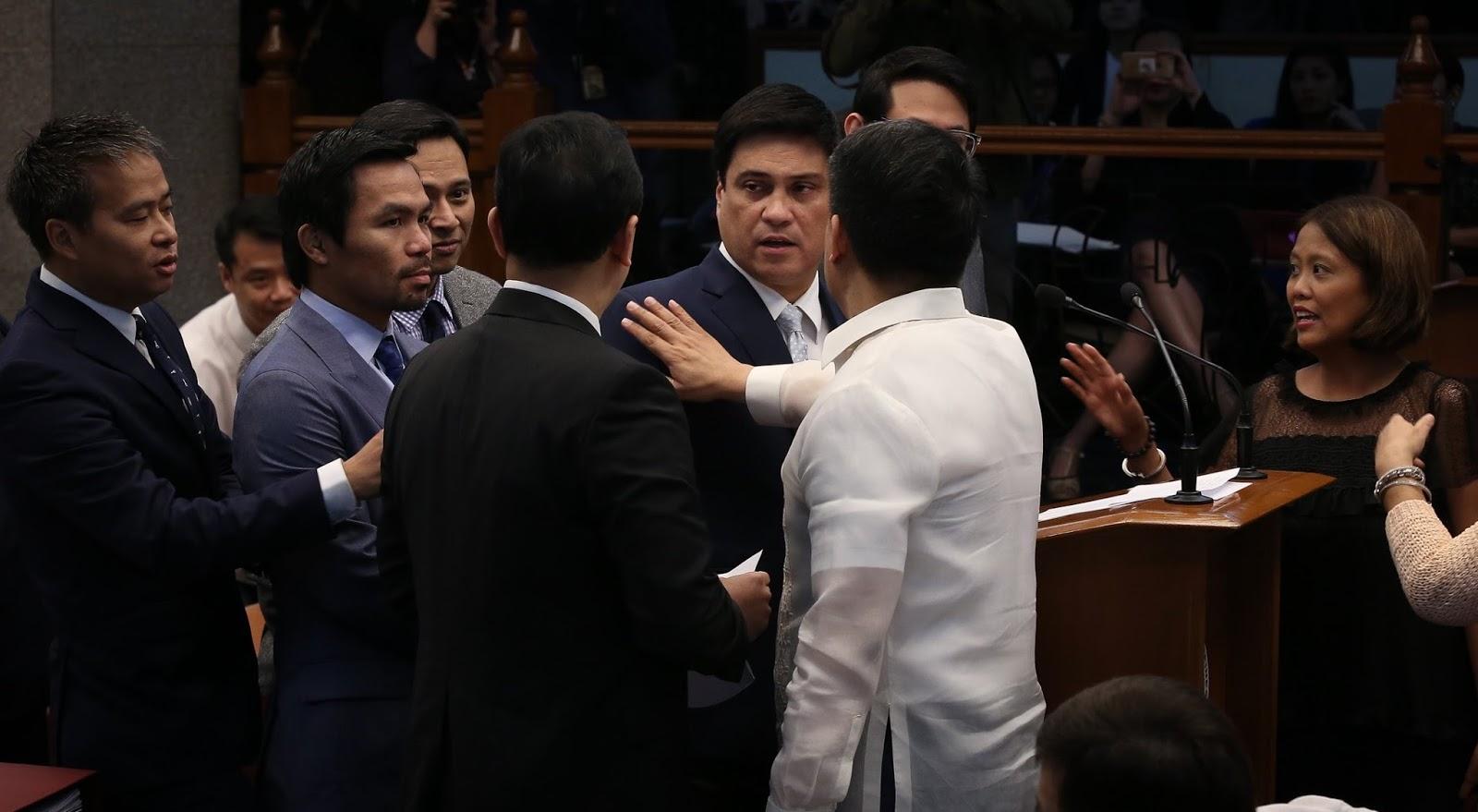 Pacquiao Muntik ng Upakan ang Pagmumukha ni Trillanes sa Senado