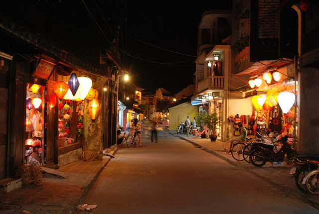 Hoian walking street