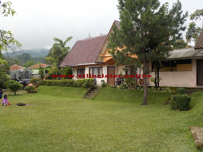 harga sewa villa di ciater dengan kolam renang
