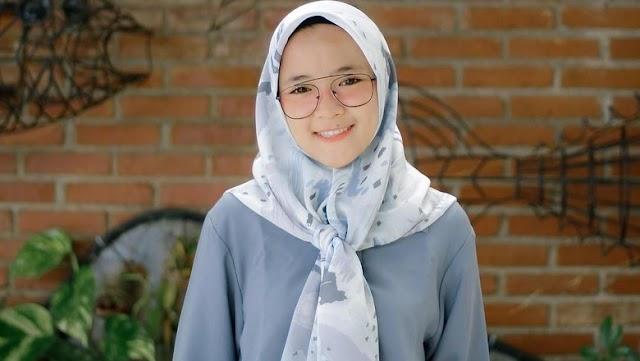 Nissa Sabyan : Biodata Nissa Sabyan, Profile Lengkap dan Foto Asli ...