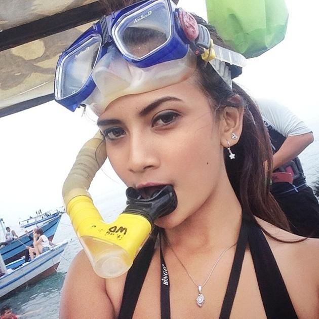 Foto-Foto Hot Vanessa Angel Beredar Tanpa Sensor - Artis Seksi