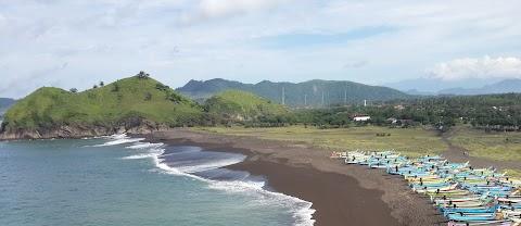 Selayang Pandang Pantai Payangan Kala Belum Kondang