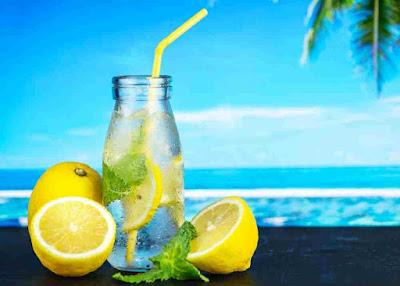 شرب الماء مع الليمون على معدة فارغة
