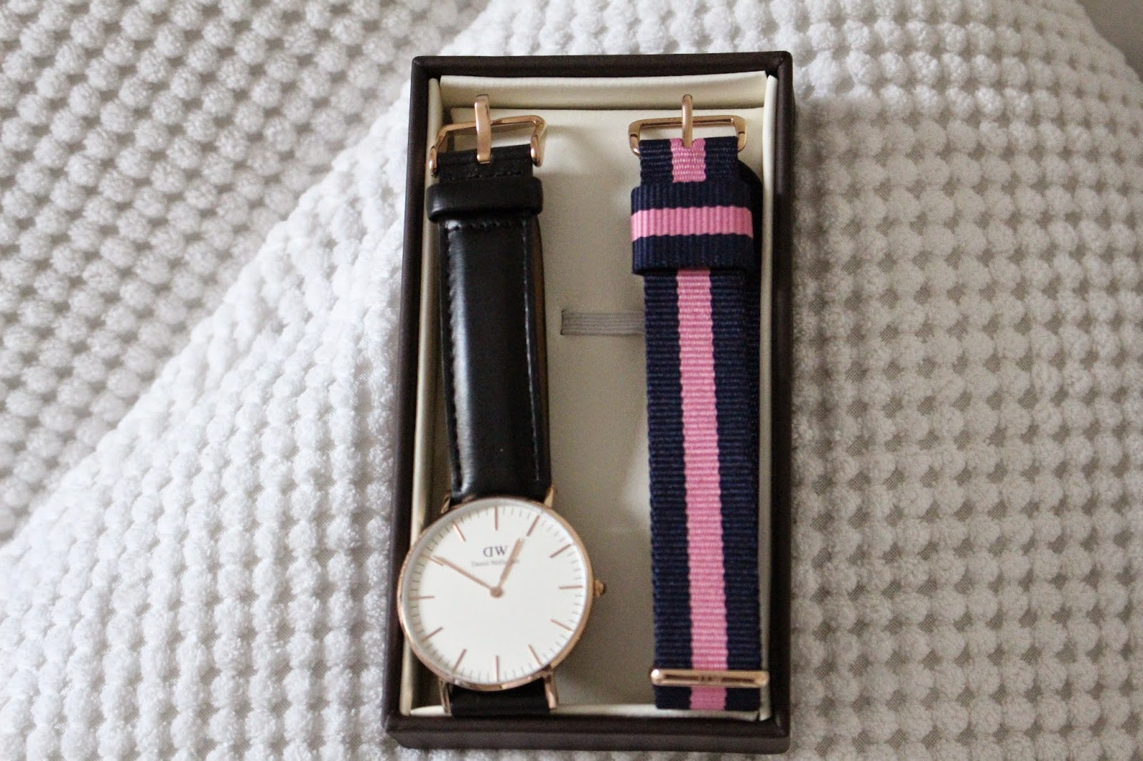 montre daniel wellington changer le bracelet. Black Bedroom Furniture Sets. Home Design Ideas