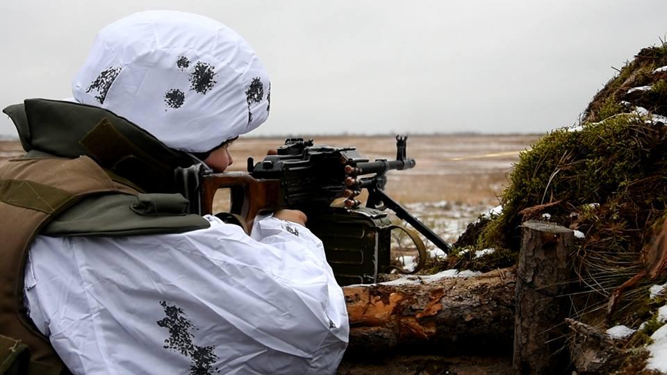 На Донбассе враг увеличил число обстрелов