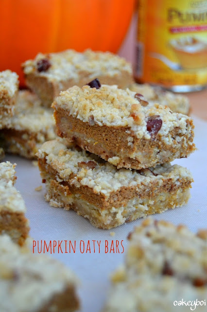 pumpkin cream cheese filling sandwiched between an oaty, nutty cookie crumb