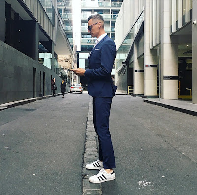 MELBOURNE STREET STYLE SUIT WITH TRAINERS