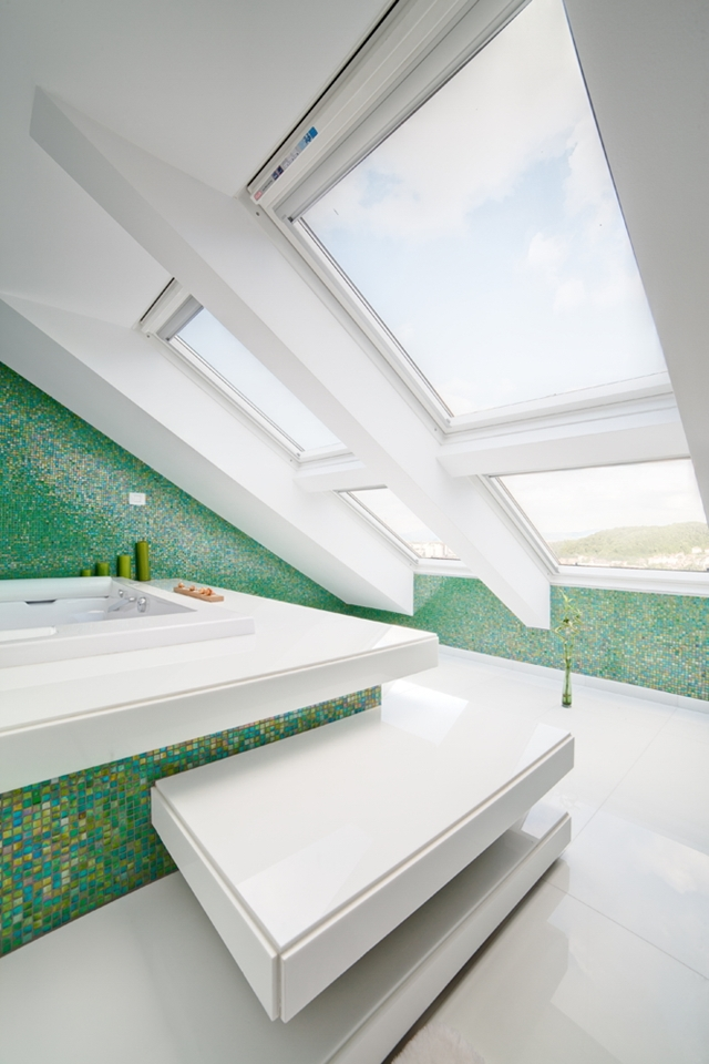 Picture of the roof windows in the bathroom