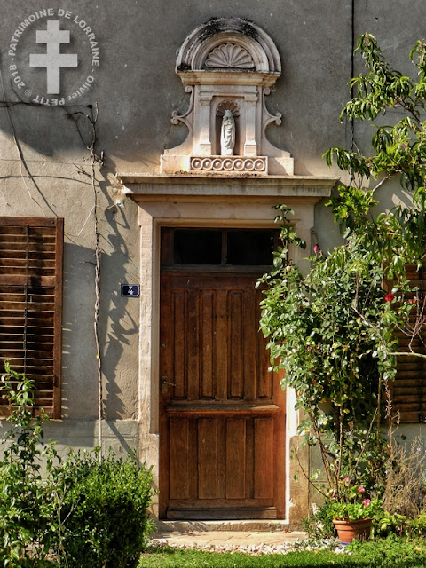 FREMENIL (54) - Porte ancienne