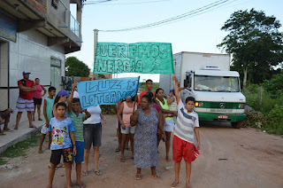 http://vnoticia.com.br/noticia/2524-eles-querem-o-basico-energia-eletrica