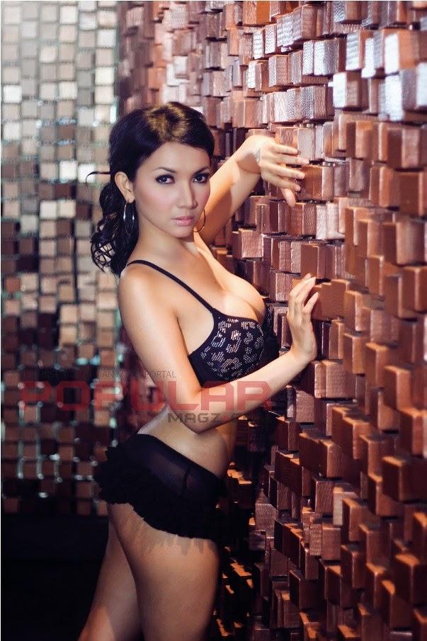 Koleksi Foto Telanjang Roro Fitria Hot