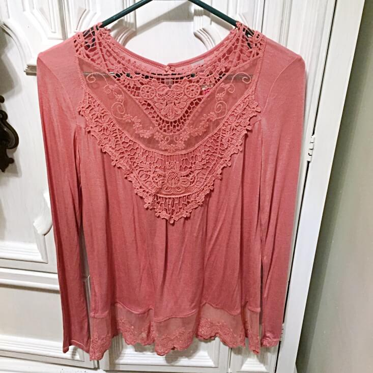 No Boundaries mauve mesh lace shirt