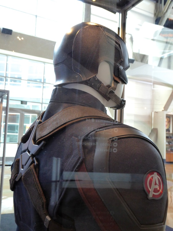 Captain America Civil War costume back detail