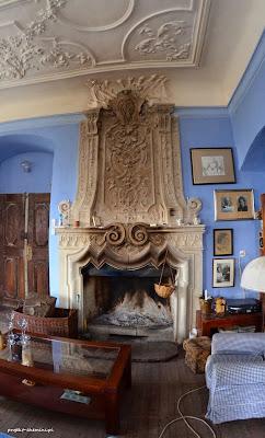Pałac w Rząsinach,przepiękny kominek