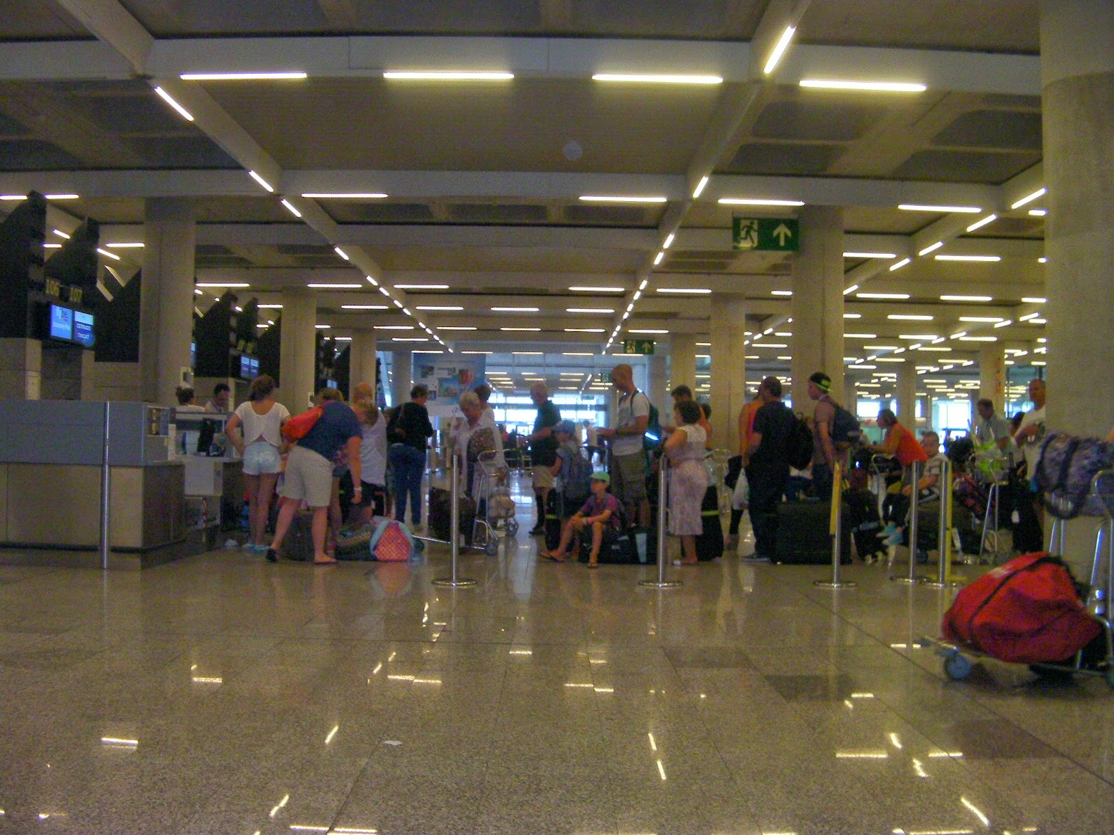 flybe check in queue palma airport mallorca