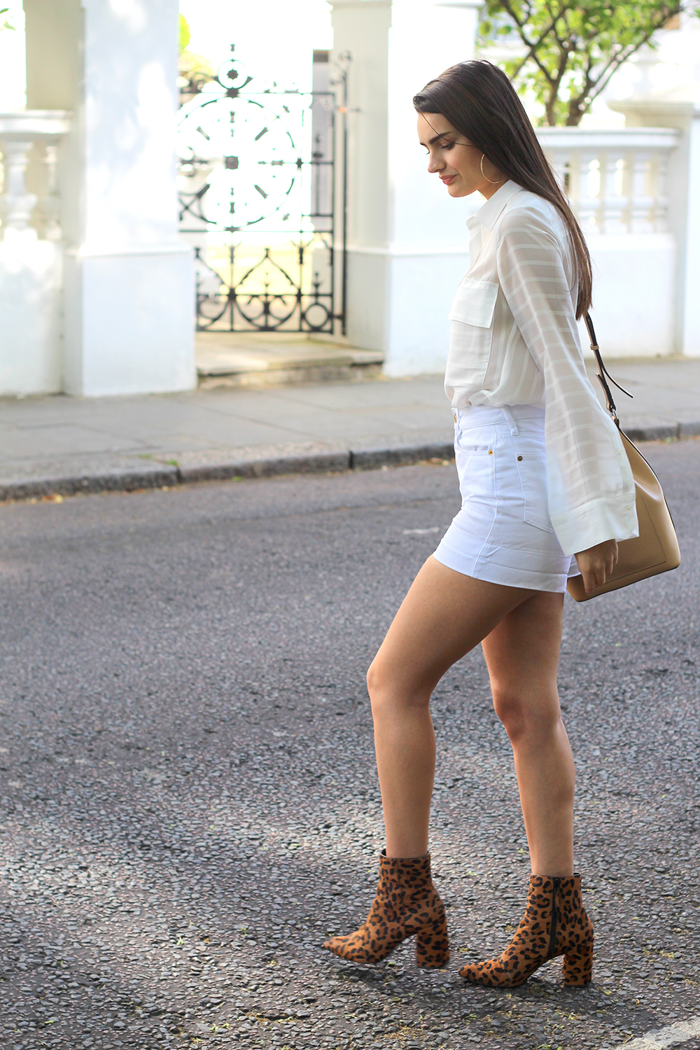 neutral summer outfit peexo fashion blogger