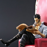 Pre-order abierto de One Piece Archive Dracul Mihawk - Plex