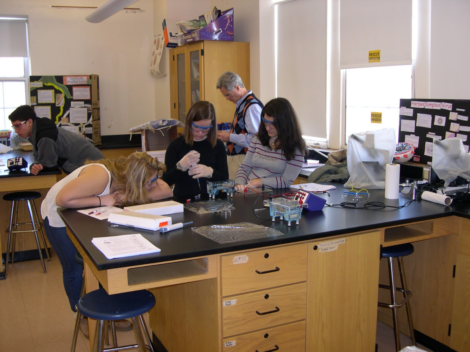 """use of micropipettes Use of the micropipettes  when you push down gently on the plunger of the micropipette, you will feel a """"stop"""" where the resistance increases."""