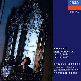 Portada de los Conciertos para piano de Mozart núms. 12 y 14, con András Schiff y Sándor Végh dirigiendo la Camerata Academica des Mozarteums Salzburg, en el sello Decca.