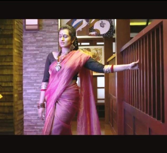 Veena Nair Tv Anchor: Kavitha Nair Hot Navel Show Pics Mallu Hot Anchor