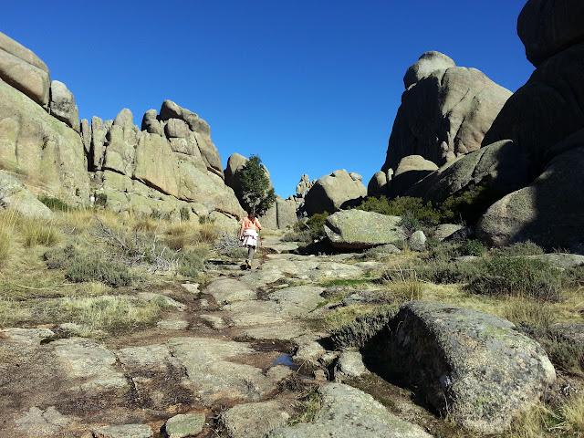 El Yelmo con niños. La Pedriza. Parque Nacional de Guadarrama.