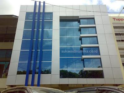 Pasang ACP dan Kaca Eksterior Facade