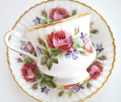https://www.etsy.com/listing/150308791/tea-cup-and-saucer-paragon-england-roses?ref=shop_home_active_9