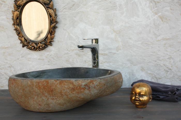 annelies design, unik stil, inredning, badrum, sten, stenhandfat, handfat, badrummet, styling, dekoration, bläckfisk ljusstake, tvättpåse, påse, bag all, inredningsdetaljer, stendetaljer,